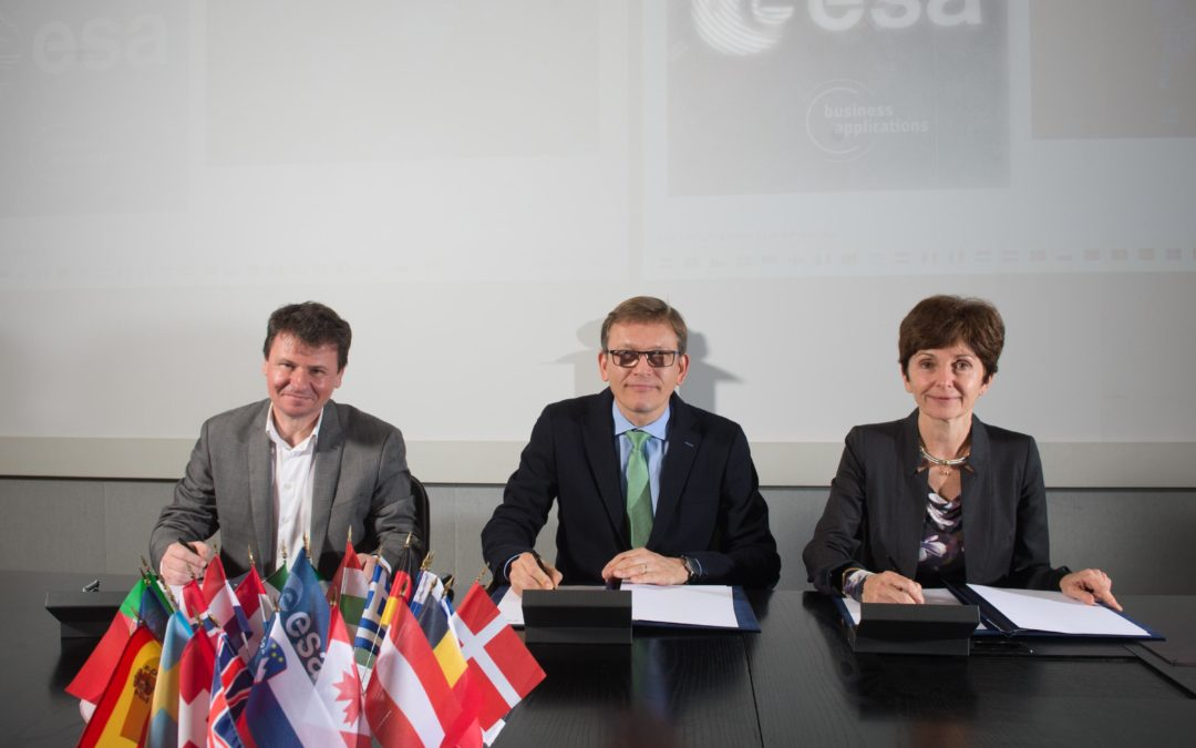 ESA, CNES and CapDecisif Management sign a unique partnership !